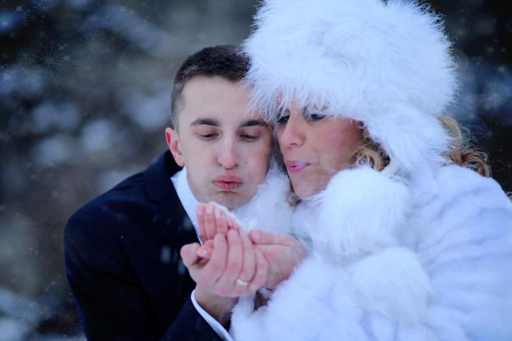 Karolina Maciej sesja ślubna zimowa
